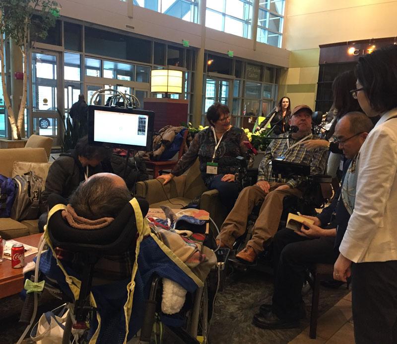 ベルギーのALS当事者のDanny Reviersさんは、増田さんが国際学会の参加にあたって直面した飛行機のバリア問題に対して、「特定の航空会社と交渉するだけではなく、国際問題としてとりくんでいくべき」と語っておられました。